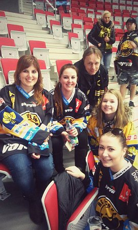 Litvínovští fanoušci na hokeji vTřinci