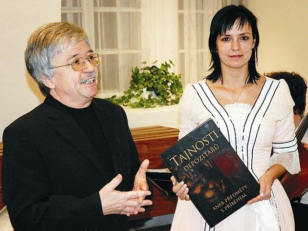 Regionální muzeum představilo knihu Tajnosti depozitářů