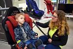Děti se v obchodním centru Galerie Teplice učily o dopravní bezpečnosti.