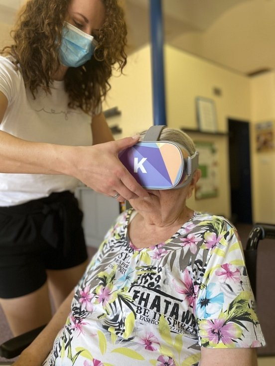 Díky virtuální realitě se senioři z Dubí podívali do ciziny.