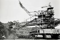 Povrchové doly v Bílině v 80. letech 20. století.