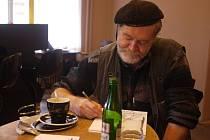 Světově uznávaný malíř Zdeněk Košek miloval mraky a bouřky. I své rodné město.