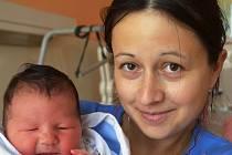 Mamince Drahoslavě Dvořákové z Oseka se 14. září ve 2.30 hod. v teplické porodnici narodila dcera Adéla Kučerová. Měřila 52 cm a vážila 4,10 kg.