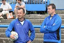 Hlavní kouč FK Teplice Plíšek s asistentem Frťalou(vlevo).