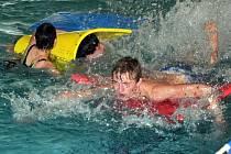Děti z ústeckého dětského domova soutěžily a dobře se bavily v teplickém aquacentru