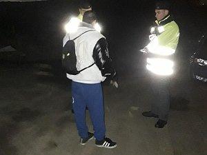 Policisté kontrolují používání reflexních prvků