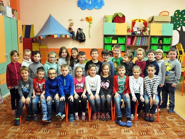 Na fotografii jsou žáci ze ZŠ Verdunská vTeplicích, 1.Atřída paní učitelky Martiny Fujalové.