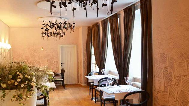 Beethovenova kavárna uchvátí návštěvníky svým stylovým vybavením a dekorací
