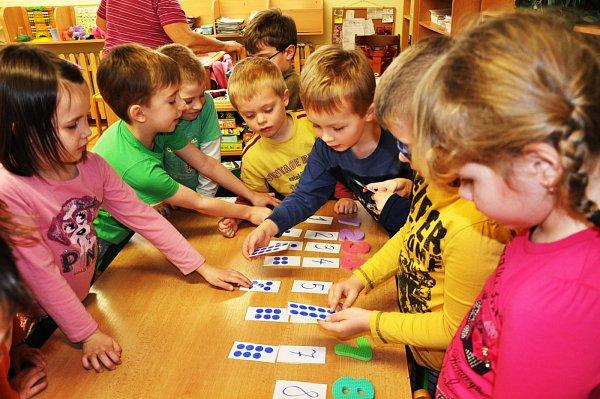 Děti ve školce si hrály na prvňáčky a učitele