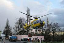 Vrtulník záchranné služby při nehodě v Dubí