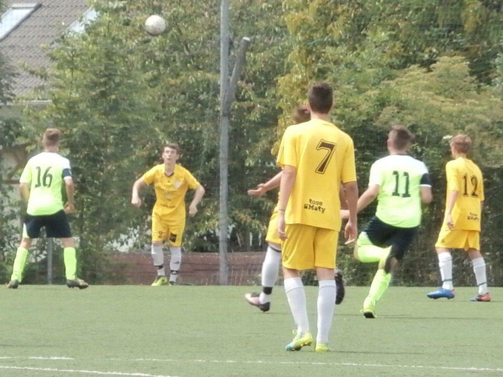 Mladší dorost Proboštova (ve žlutých dresech) vyhrál krajský přebor!