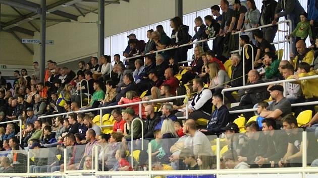Futsalisté Svarogu Teplice postoupili do finále. Ve třetím semifinálovém duelu doma porazili Slavii 4:2.