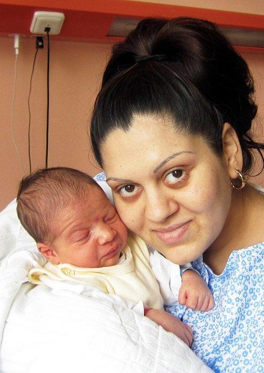 Mamince Lucii Oláhové z Teplic se 6. července v 18.22  hod. v ústecké porodnici narodil syn Josef Oláh. Měřil 50 cm a vážil 3,60 kg.