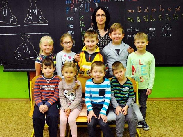 Na fotografii jsou žáci ze ZŠ Zabrušany, 1.třída paní učitelky Miluše Vaníkové.