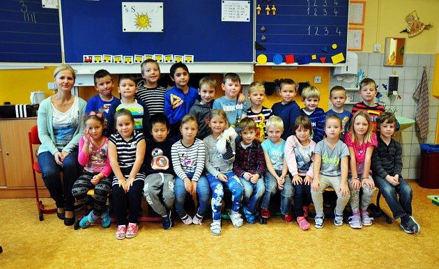 Na fotografii jsou žáci ze ZŠ Buzulucká, Teplice, 1.B třída paní učitelky Aleny Hrdinové.