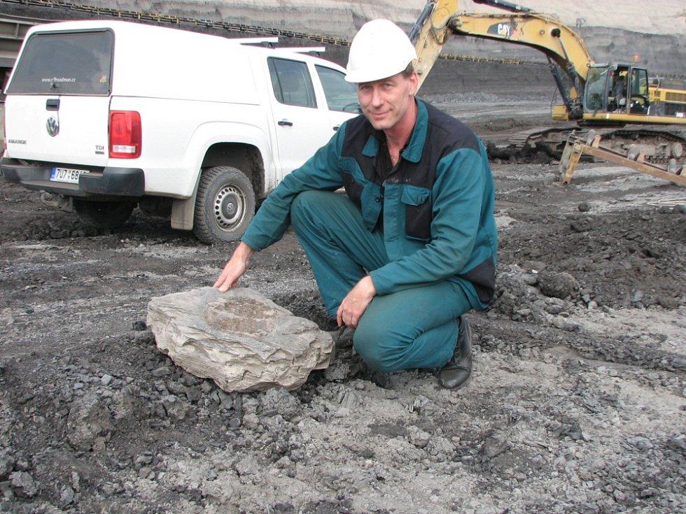 Lovec fosilních želv Tomáš Lippert opět hlásí nález