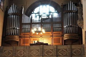Oslavy k 111. výročí posvěcení kostela Panny Marie v Dubí.
