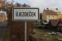 Obec Újezdeček.