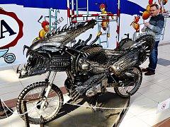 V OC Olympia se koná výstava Metal Monsters představující kovová monstra z filmů