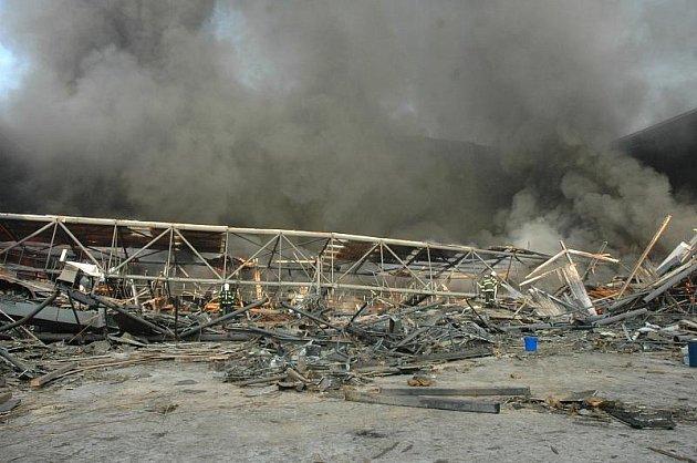 Požár zimního stadionu v Teplicích, 14.11.2011