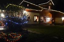 Vánoce milují a je to vidět na každém kroku!