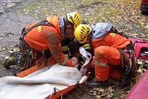 Cvičení hasičů ve štole v Mikulově