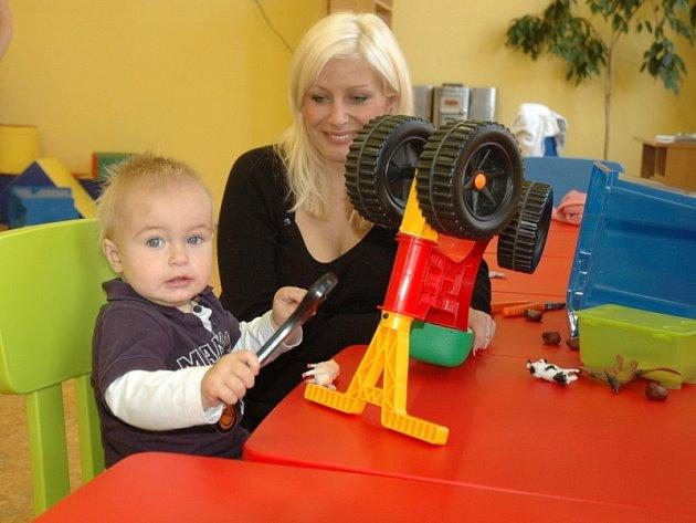 Mateřídouška - klub v DDM Teplice pro maminky s dětmi