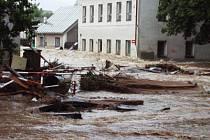 Jak řádila povodeň na Teplicku v roce 2002.