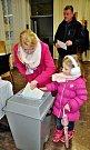 První volební den v teplickém volebním okrsku 29