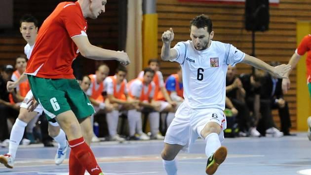 Jednou z hvězd futsalového MČR veteránů bude i reprezentant ČR Roman Mareš (vpravo).