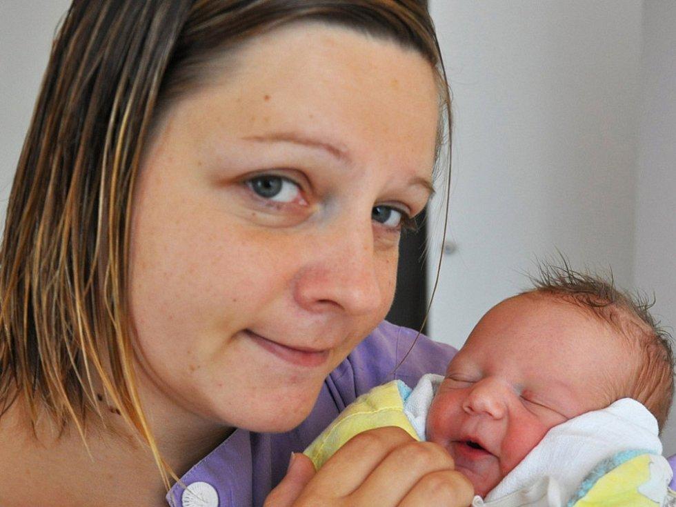 Mamince Kamile Kozákové z Dubí se 20. srpna ve 13.01 hod. v teplické porodnici narodila dcera Adéla Kozáková. Měřila 52 cm a vážila 3,35kg.