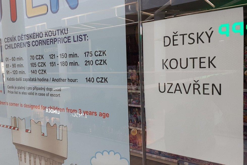 Rozvolnění. Otevření některých obchodů ve Fontáně a Galerii v Teplicích, které musely mít do 11. dubna zavřeno.
