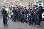 Do pátrání po pohřešovaném seniorovi se zapojily desítky policistů.