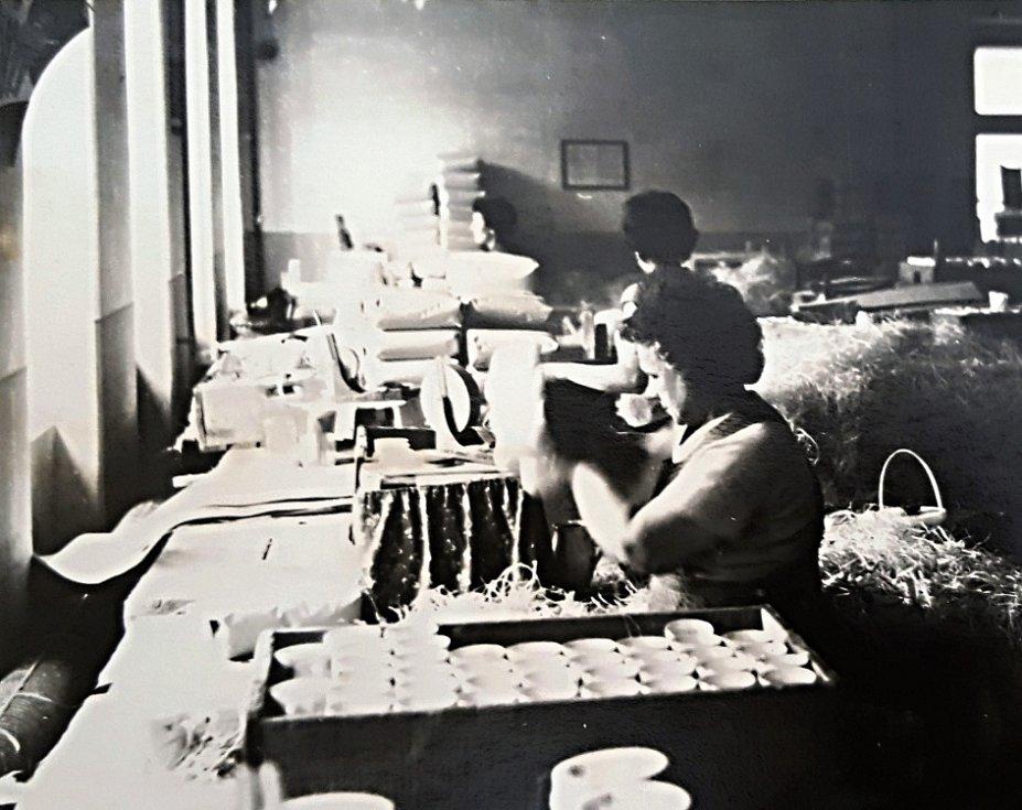 Dubská porcelánka v letech 1983 až 1986.