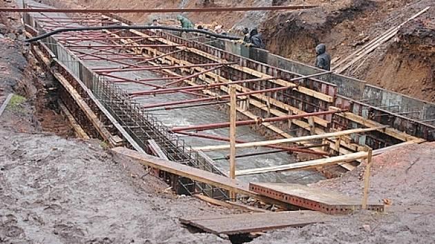 Rekonstrukce koryta potoka Bystřice v Teplicích