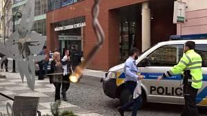 Policie zasahuje po přepadení zlatnictví v Teplicích