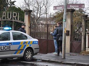 Uzavřená Nákladní ulice kvůli nálezu těla mrtvé ženy