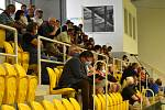 Veřejné projednání záměru na výstavbu průmyslových hal u Malhostic, konalo se ve sportovní hale v Teplicích.