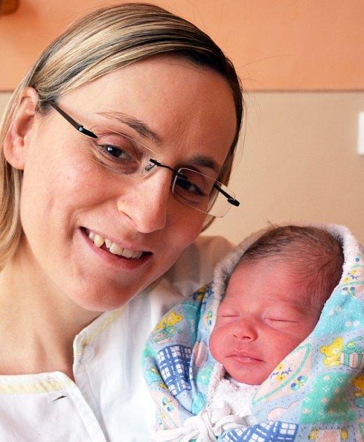 Mamince  Simoně Vondráčkové z Teplic se 3. března  ve 21.06  hod. v teplické porodnici narodil syn  Petr Vondráček.  Měřil 49 cm a vážil 2,55 kg.