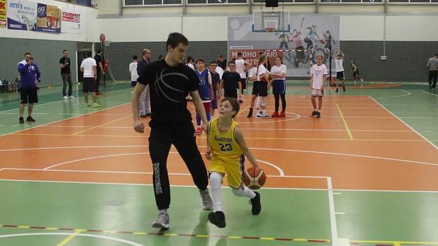 Basketbalový kemp v Teplicích za účasti hráčů Slunety