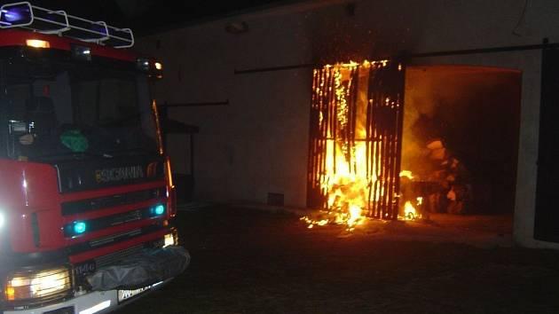 Požár vrat v obci Suché na Teplicku