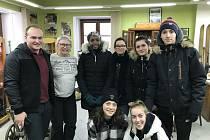 Studenty zaskočila vánice, azyl našli v moldavské knihovně.