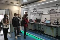Mobilní učebna 3D technologií v Bílině.