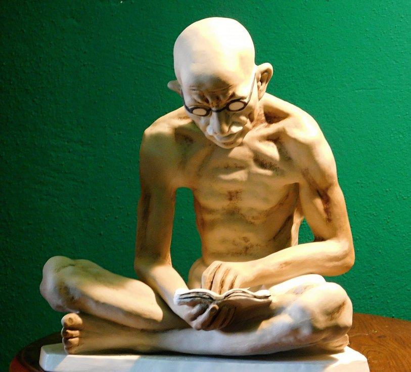 Gándhí se znovu zrodil z duchcovského porcelánu