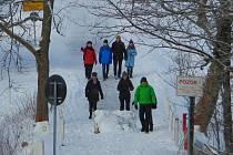 Přeshraniční procházka v zimě láká spíše turisty i lyžaře ze saské strany.