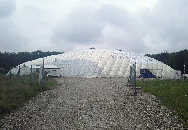 Stan pro tři stovky uprchlíků vGrünwaldu, jedné znejbohatších čtvrtí vMnichově.