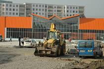 Stavba OBI v Teplicích opět pokročila.