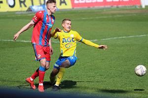 Robert Jukl při utkání Teplice - Plzeň.
