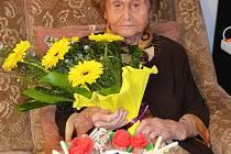 Paní Anna Brodská z Duchcova  slaví 21.7.2012 100 let.
