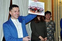 """Křest nového CD Trautzlovy umělecké společnosti a souboru Collegium hortense """"Vepřová odysea""""."""